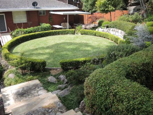 Circular lawn at Joan Zande garden